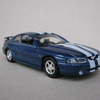 Ford Mustang GT 4.6L 1998 1:43 Road Champs