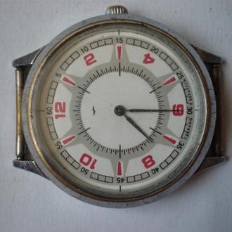 часы Луч интересная модель сохран 2406