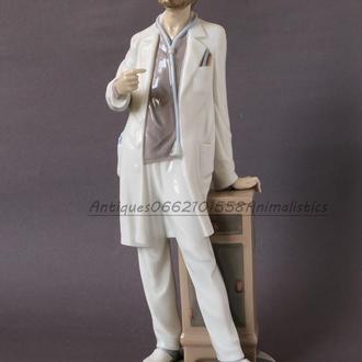 Фарфоровая статуэтка фарфор Lladro Испания Доктор
