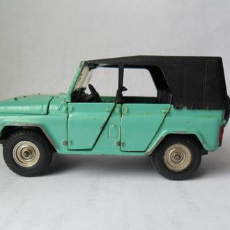 Модель автомобиля УАЗ 469 А 34 1:43 СССР