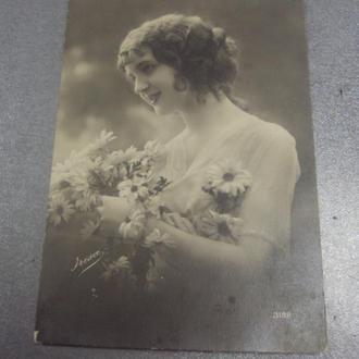 открытка девушка с цветами №1505