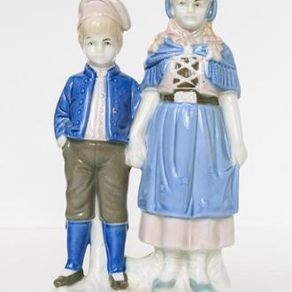 Фарфоровая статуэтка LIPPELSDORF Германия Детки