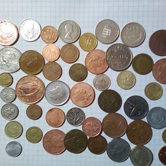 48 монет разных стран.