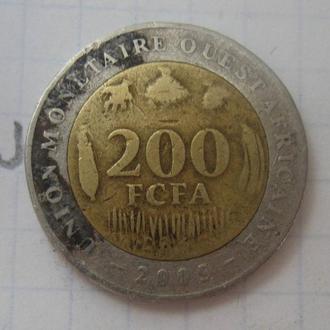 ЗАПАДНАЯ АФРИКА, 200 франков 2005 г. (биметалл).