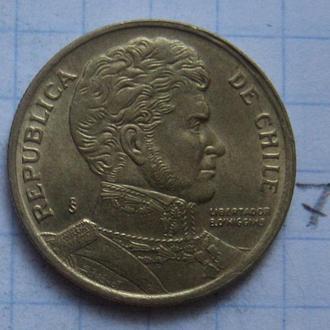 ЧИЛИ, 10 песо 1995 г. (состояние).