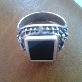 Кольцо мужское, серебро и оникс