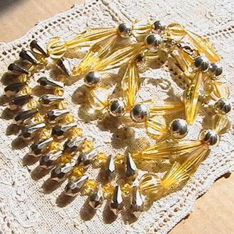 Ожерелье в желтых тонах. Общая длина 66 см.