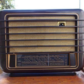 """Радиоприемник """"Tesla 422U-2"""""""