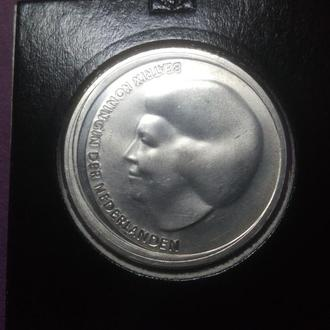 Нидерланды 10 евро, 2002 Королевская свадьба (серебро 925)