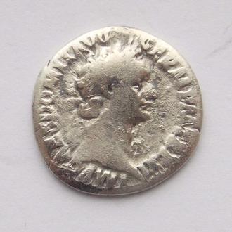 Денарій Доміціан, Мінерва (Minerva). Срібло.