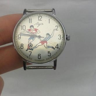 часы Луч СССР футбол плоские Робочие как Новые