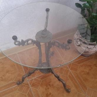 бронзовий столик