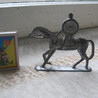 Фигурка Рыцарь на коне металл 7.5 см (СССР)