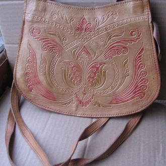 Стильная кожаная женская сумочка