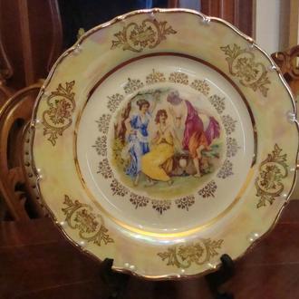 Коллекционная тарелка Мадонна . Фарфор Чехословакия . Состояние ! № 1061