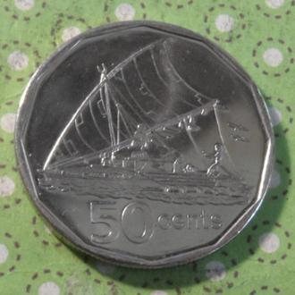 Фиджи 2010 год монета 50 центов парусник !