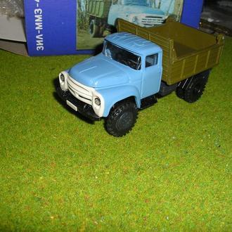 Зил 130 ммз 4502 голубая кабина хаки кузов