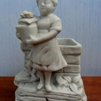 """""""ДЕВОЧКА"""" красивая статуэтка-карандашница (вазочка) Старая Германия фарфор-бисквит РЕДКАЯ!!!"""
