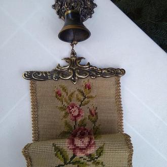 Колокольчик бронза на вышивке
