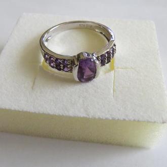 Серебряное кольцо 925 пробы с аметистом