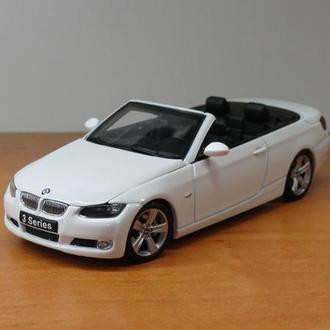 1/43  BMW 3 Series Convertible 2007 (E92)  AutoArt