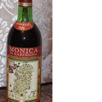 "Вино ""Monica di Sardegna"" 1980 года. Италия"