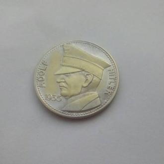 адольф гитлер 1935