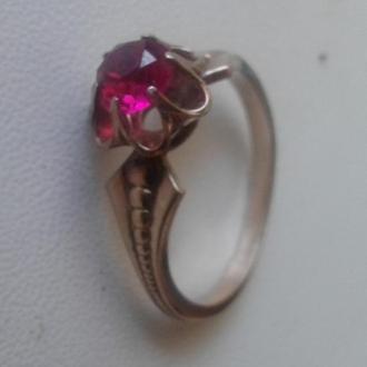 Серебряное (875) кольцо в позолоте с рубином. СССР, 70-е.