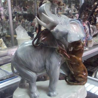фигура фарфор германия тигры нападающие на слона №66
