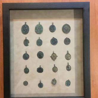 Коллекция религиозных нательных медальонов-подвесок, Европа