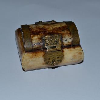 красивая шкатулка сундучок кость винтаж бронза декор отличное состояние