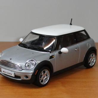 1/43  Mini Cooper 2006  AutoArt