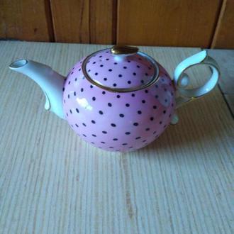 Чайник. Фарфор.