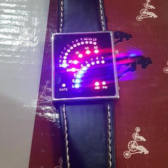 Електронний годинник спідометр.