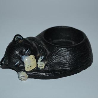 красивый подсвечник спящий кот чугун made in England винтаж отличное состояние вес 377 грамм