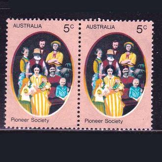 Австралия 1977 г   MNH - пара -