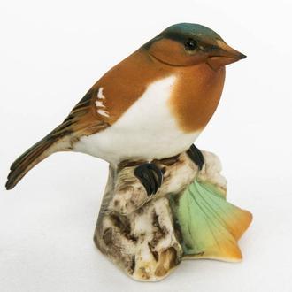 Фарфоровая статуэтка Италия Коричневая птичка с белым животиком, миниатюра.
