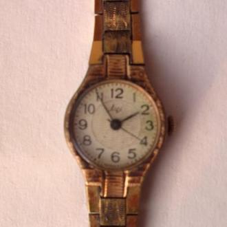 Часы Луч AU с браслетом.