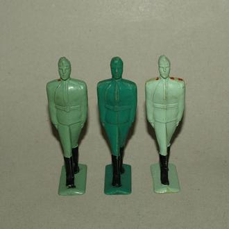 Три солдатика, пластик, 70-80е гг. СССР.