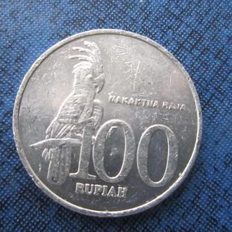 монета 100 рупий Индонезия 2002 фауна попугай
