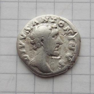 Денарий Антонин Пий. Посмертный, погребальный костер. Серебро, подлинник.