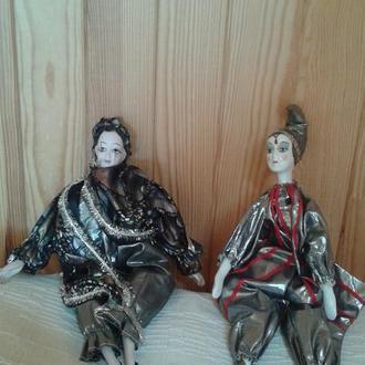 Куклы фарфоровые