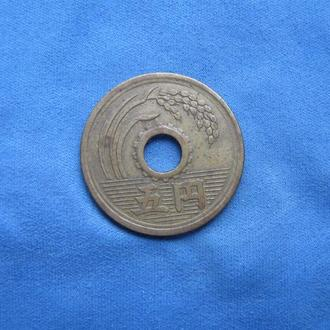 Япония 5 иен 1950 год прописной шрифт