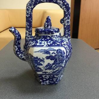 Фарфоровый кобальтовый чайник, Китай (ручная роспись).