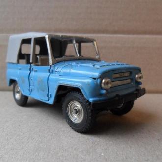 Модель автомобиля УАЗ 469 СССР 1:43 Тантал Саратов