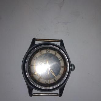 Часы  старинные.