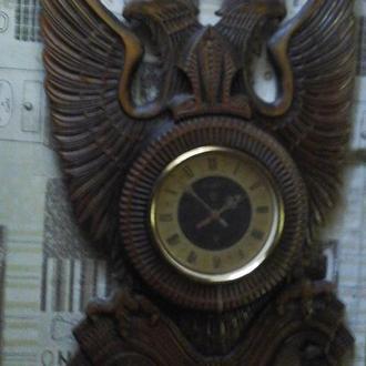 Деревянные настенные часы ручной работы