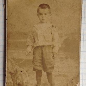 Мальчик в костюме моряка в гюйсе и с палочкой Винница Художественная фотография Венедикта Ставскаго