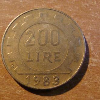 Италия 200 лир 1983