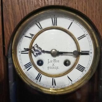 Настнные часы Le Roi A Paris